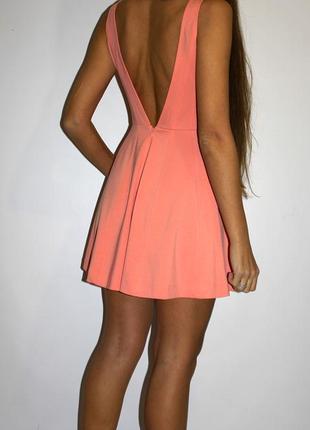 Красивое платье , всё прошито полосами - красивая спинка