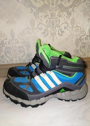 Обалденные демисезонные ботинки adidas
