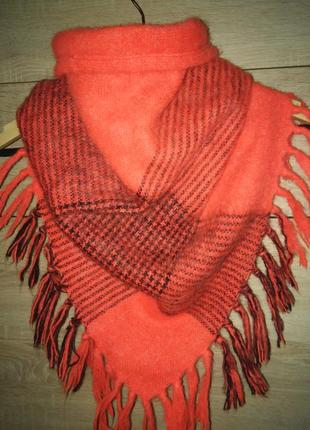 Яркий теплый оранжевый треугольный платок шарф