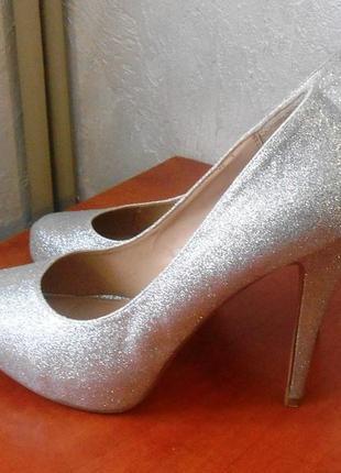 Нарядные фирменные туфли dorothy perkins, р 39 код k3909