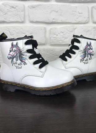 Демисезонные сапожки на девочку, ботинки с лошадкой.