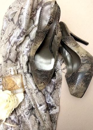 Туфли с открытой  пяткой из замши под змею