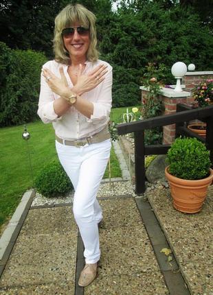 Белые джинсы - это лучшая покупка и не только на лето!10 фото