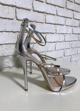 Босоножки на тонком высоком каблуке public desire by asos