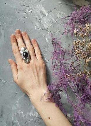 Кольцо черное граненое бохо богемный стиль овальное гранж панк большое металл
