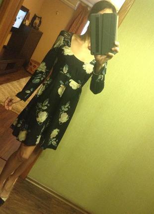 Красивое  платьице miss selfridge