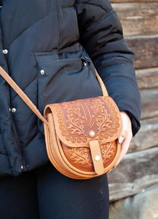 Маленькая кожаная сумочка женская через плечо рыжая с орнаментом этно стиль