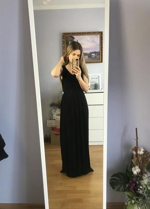 Шикарне чорне плаття від villa