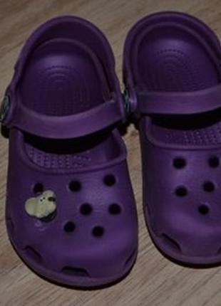 Аквашузи сандали crocs c 6-7 девочке