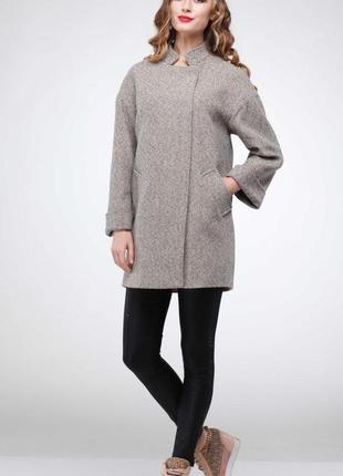 Стильное демисезонное шерстяное пальто