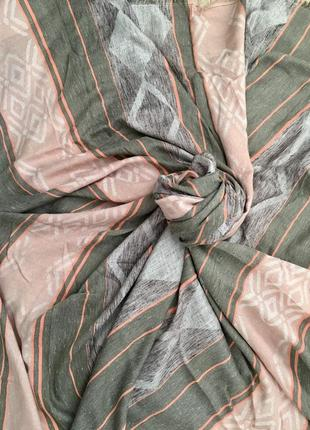 Супер красивая шаль платок большого размера пудрового цвета