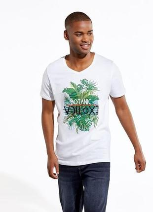 Стильная летняя футболка с принтом