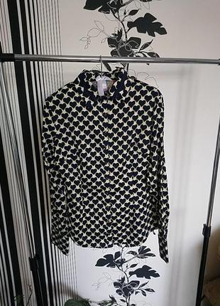 Красивая нарядная рубашка-блуза