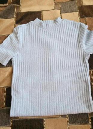 Новая футболка небесно голубого цвета футболка в рубчик