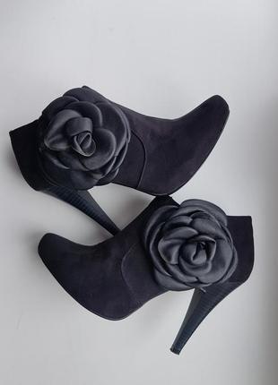 Превосходные ботинки от bullboxer 39