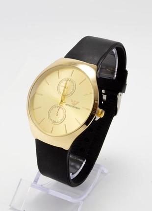 Часы на силиконовом ремешке+коробочка
