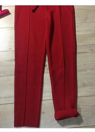 Новые красные  спортивные штаны forever21