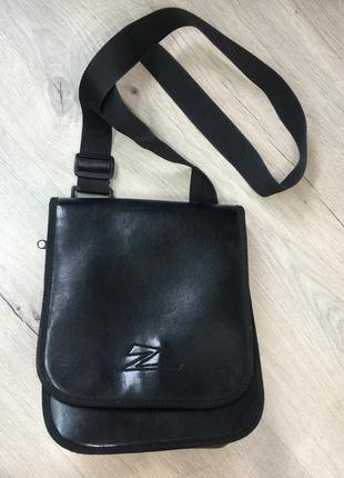 Чёрная сумка клатч