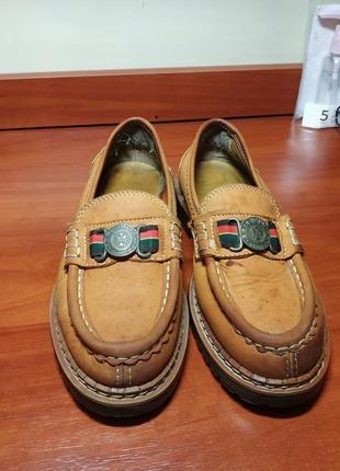Лоферы-туфли