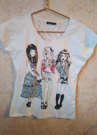 Крутая футболка с оригинальным принтом и кружевом