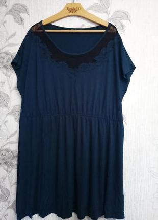 Красивое вискозное платье с кружевом большого размера