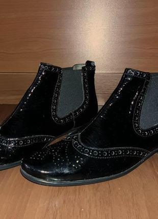 👢 лаковые ботинки челси unisa 100%кожа. р.38 италия unisa