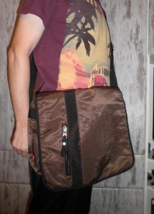 Сумка планшет кроссбоди levi's crossbody messenger bag unisex нейлон большая