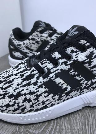 Кроссовки на резинках - adidas zx flux