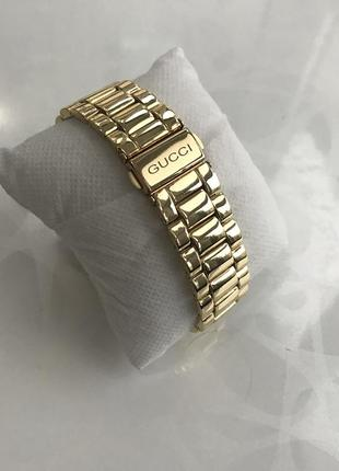 Женские наручные модные металлические часы золотистые3 фото