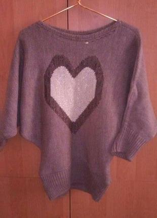 Теплый свитер с сердцем