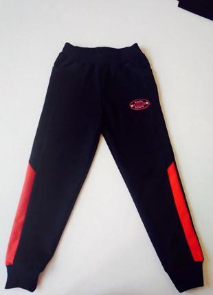Весенние спортивные штаны для девочки