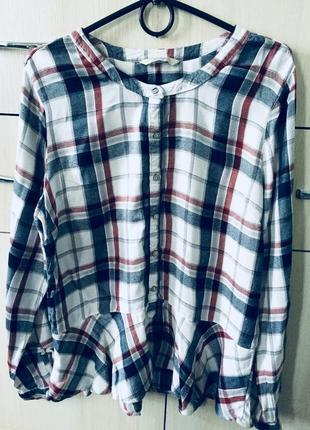 Обалденная клетчатая рубашка с баской и воротником мандаринка
