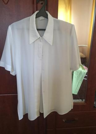 Белая блуза