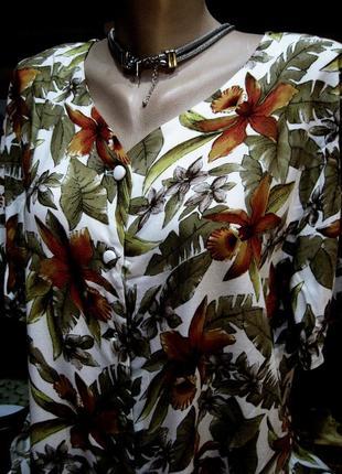 100% - вискоза! красивая блузка в цветочный  принт новая с бирками