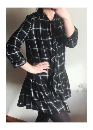 Платье в клетку в полоску черно белое свободное платье рубашка zara