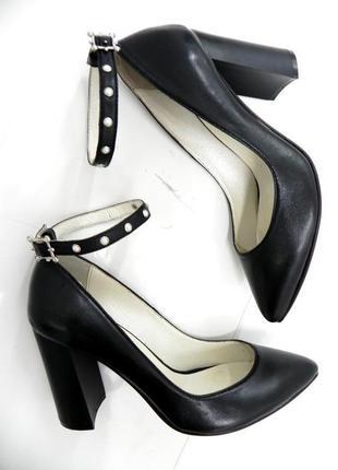 Стильные туфли с ремешком 38, 39 кожа