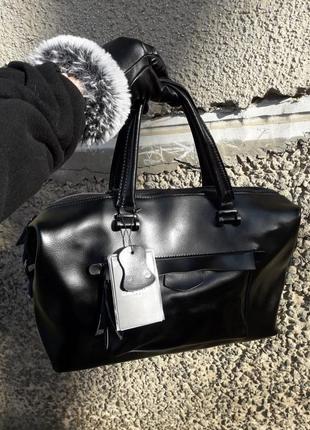 Черная кожаная сумка женская из натуральной кожи стильная качественная вместительная