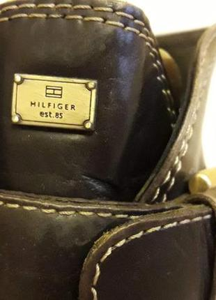 Кожаные сапоги  фирмы tommy holfiger p. 40-41  стелька 26,5 см7