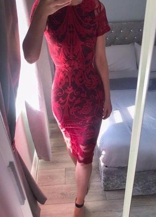 Облегающее вечернее платье миди в стиле барокко глубокого цвета красного вина asos