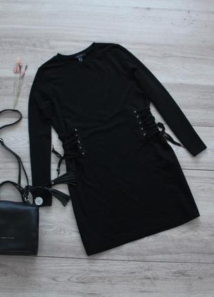 Трендовое платье-свитшот со шнуровкой по бокам atmosphere