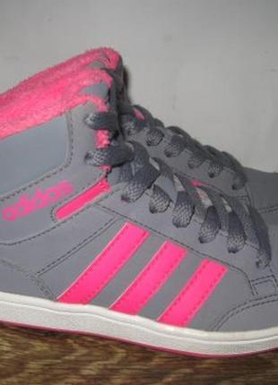 Кроссовки adidas  р.30 оригинал.