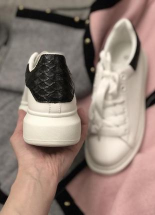 Белые кроссовки кеды/наложка