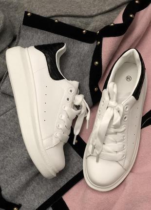 Белые кроссовки кеды/наложка2 фото