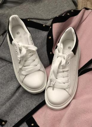 Базовые белые кроссовки кеды/наложка 120 грн