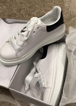 Белые кроссовки кеды/наложка3 фото
