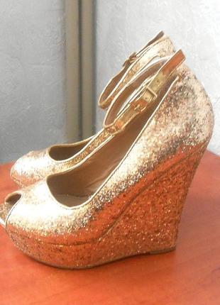 Золотистые туфли босоножки glitterati, р.39 код k3913