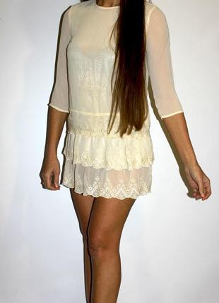 Прекрасное платье с кружевом  h&m