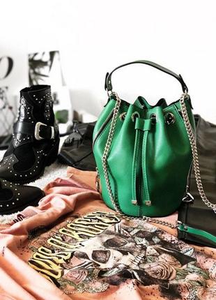 Красивая сумка мешок зеленого цвета