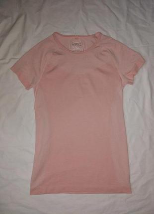 Классная бесшовная футболка,р-р 14-16,евро 42-44,пудрового цвета