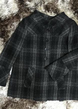 Шерстяное пальто полупальто демисезонное  драповое оверсайз свободного кроя в клетку